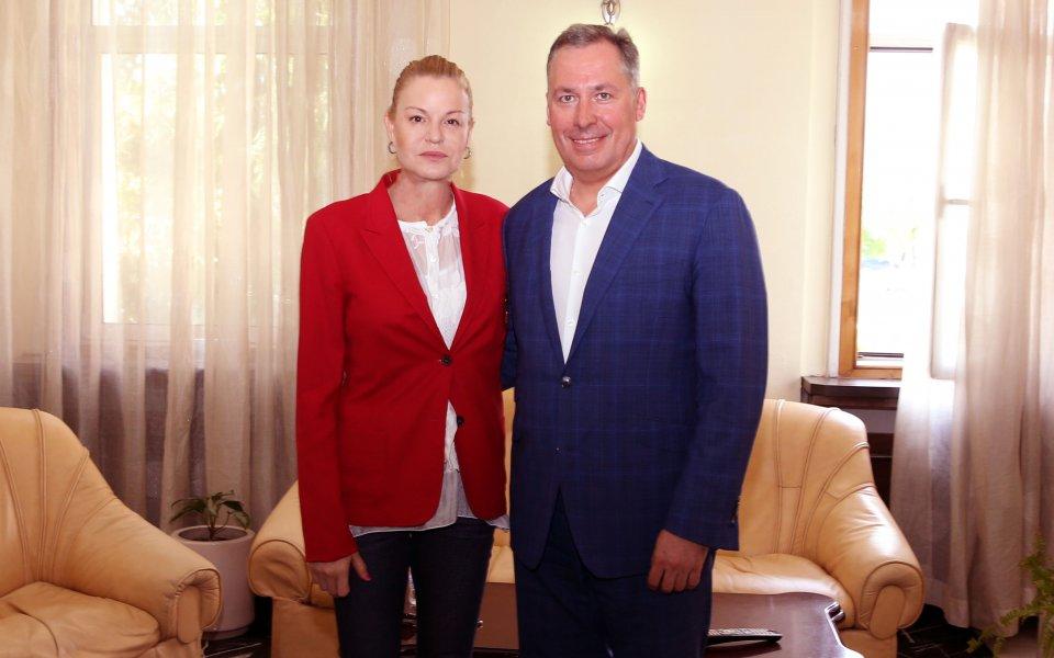 Стефка Костадинова се срещна с председателя на Руския олимпийски комитет