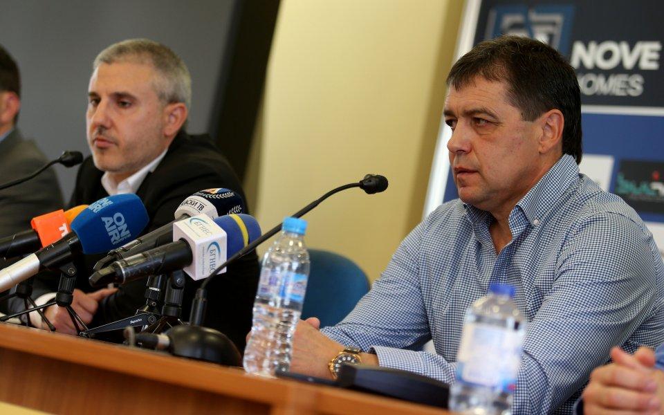 Хубчев отхвърлил играчи на Бекали, румънецът отстранен от трансферите