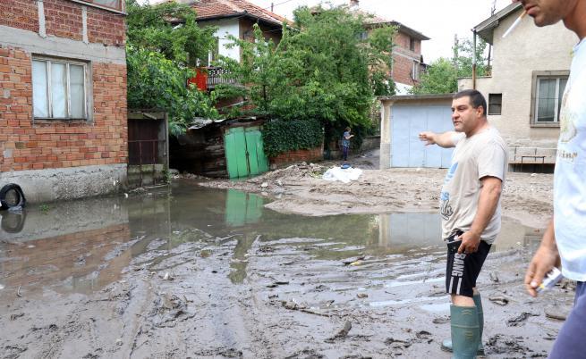 След бурята: Хасково се превърна в море