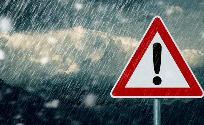 Опасно време и във вторник, къде ще вали най-много