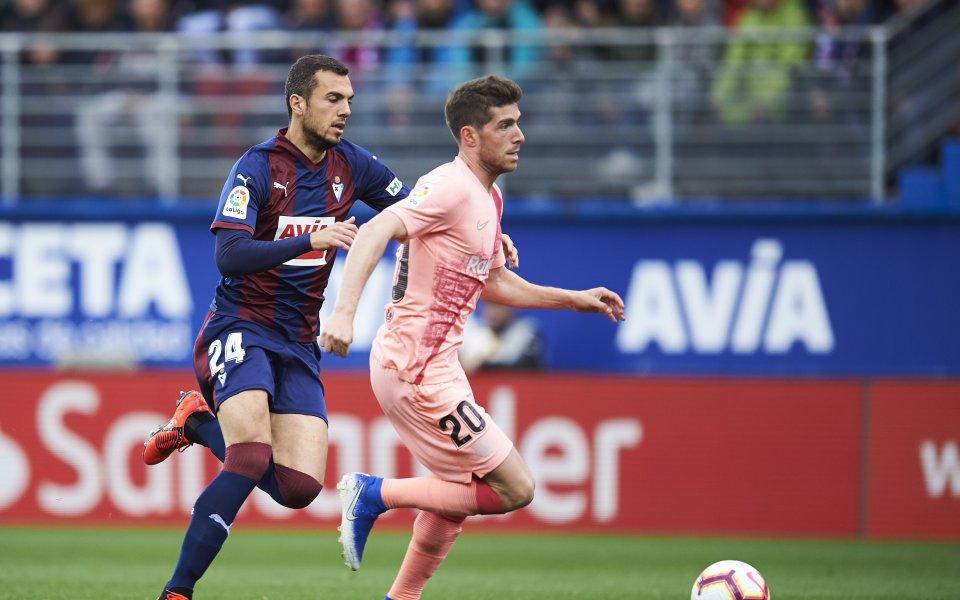 Арсенал иска испански халф за модернизирането си в средата