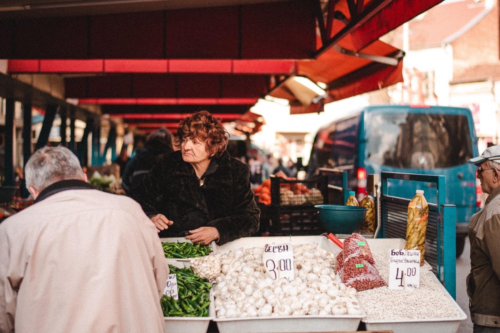 """Кадър от изложбата """"Новите лица на женския пазар""""."""