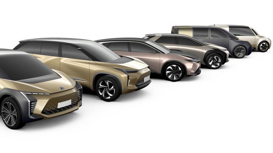 Toyota представи глинени макети на бъдещите си електрически модели, два от които ще бъдат съвместно разработени със Suzuki и Subaru.