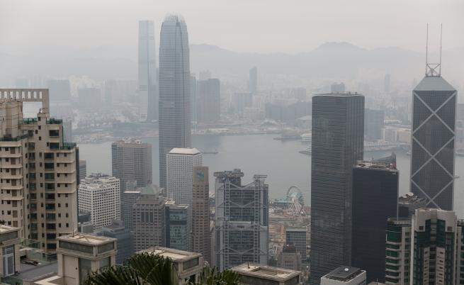 Безпрецедентни протести и сблъсъци в Хонконг