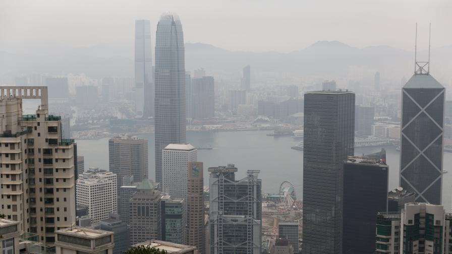 <p>Безпрецедентни протести и сблъсъци в Хонконг</p>
