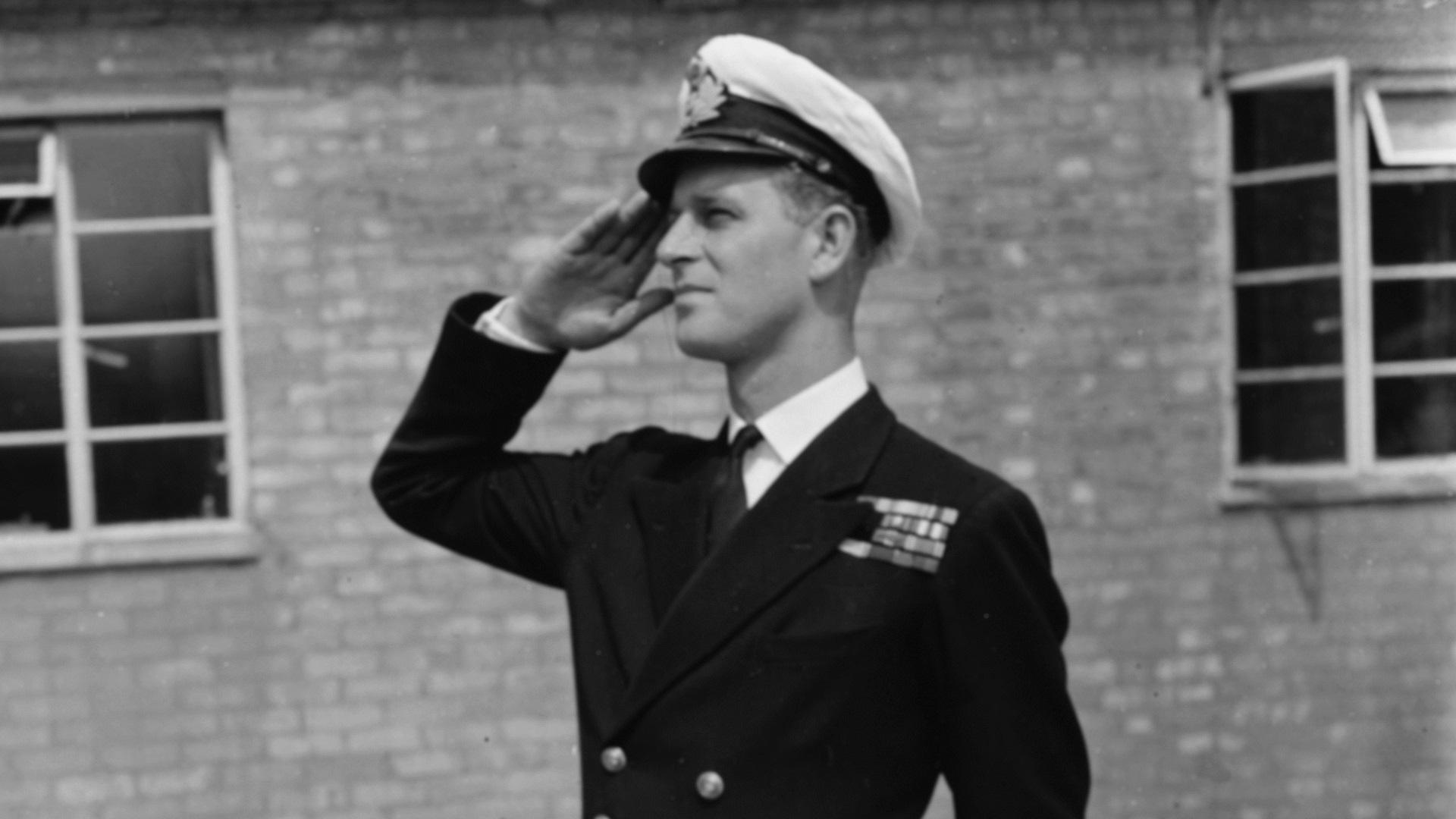 Принц Филип навърши 98 г. преди дни. Той е скалата в живота на кралица Елизабет Втора.