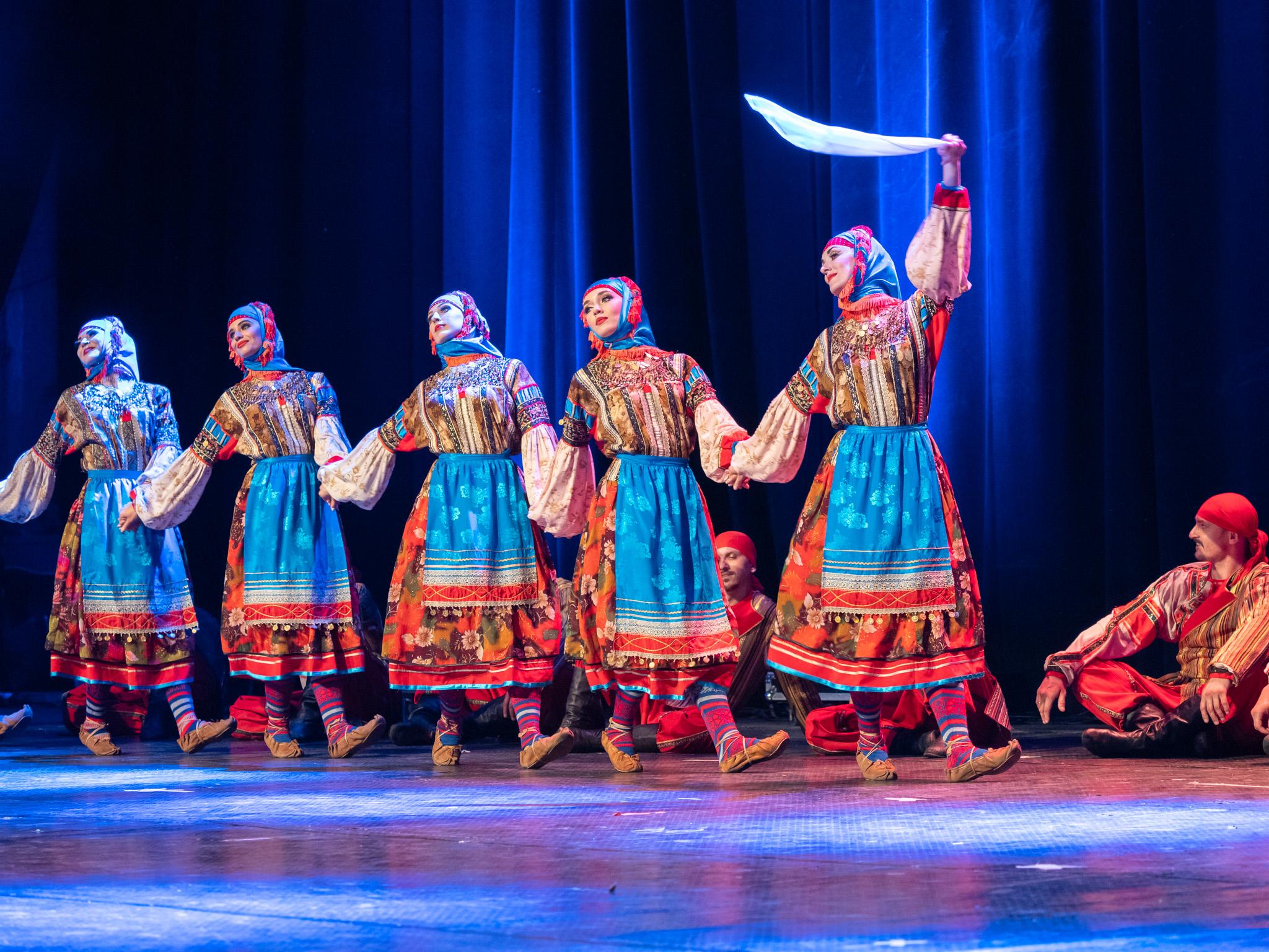 Хорът е основан на 14 октомври 1811 г. под името Черноморски военен певчески хор.
