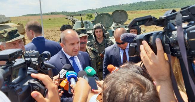 България Радев: Варварско наливане на бетон по морето Президентът посети