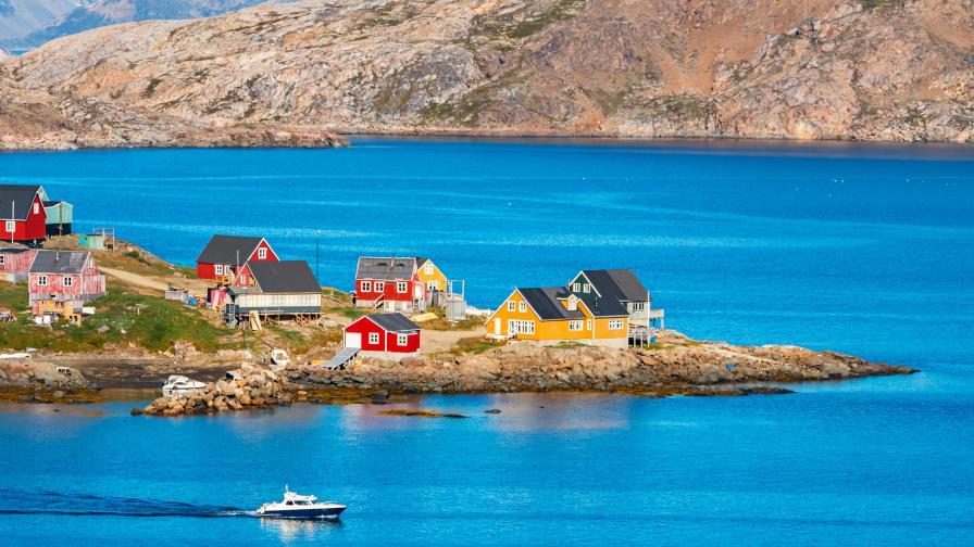 <p><strong>Гренландия </strong>&ndash; място за любителите на <strong>риска и приключенията</strong></p>