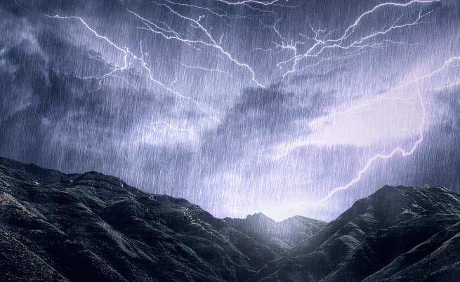 Дъжд и гръмотевици днес, вижте къде