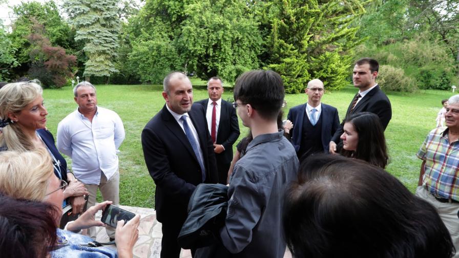 Румен Радев на среща с българи в Женева