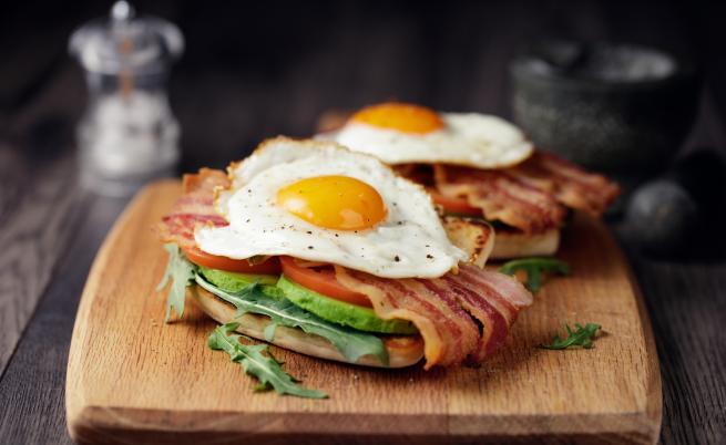 Тези шест храни (и напитки) ще ви помогнат да се разсъните