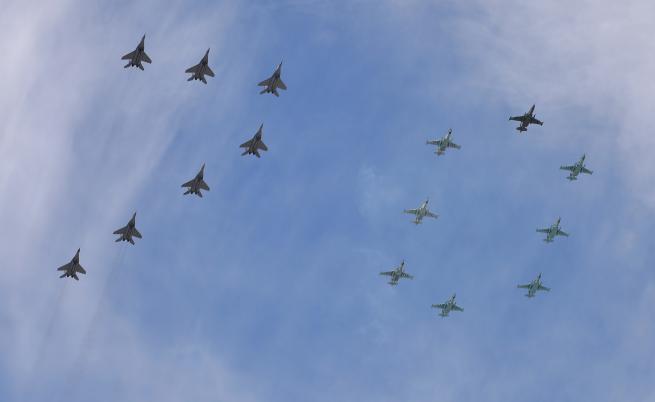Напрежение около Су-25, Каракачанов: Има договор, не е сериозно