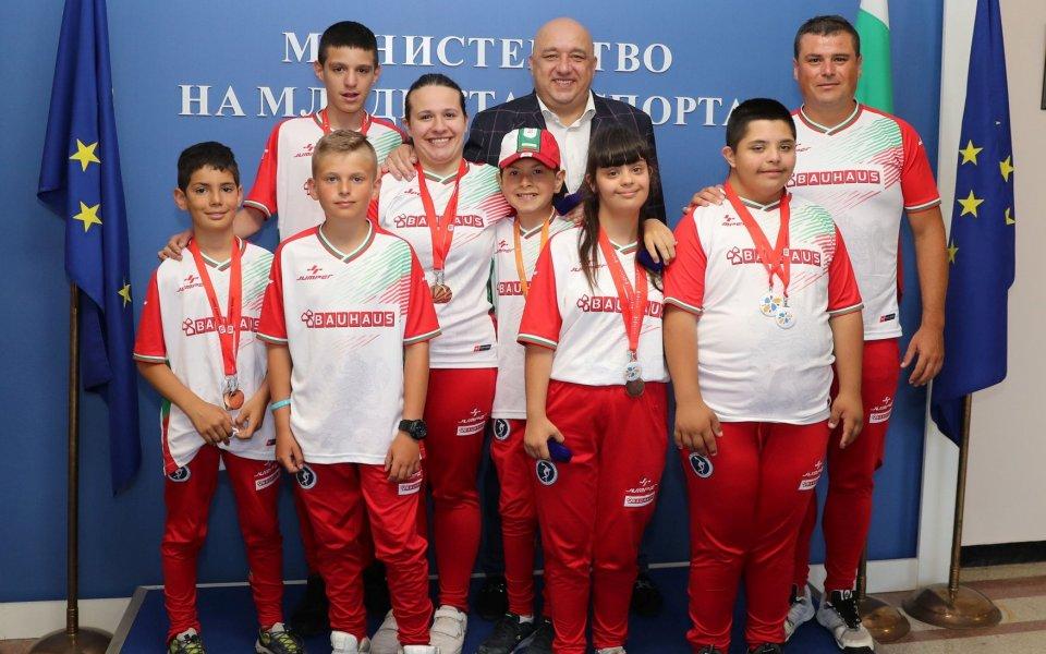 Кралев награди медалистите от Европейските игри за младежи с увреждания