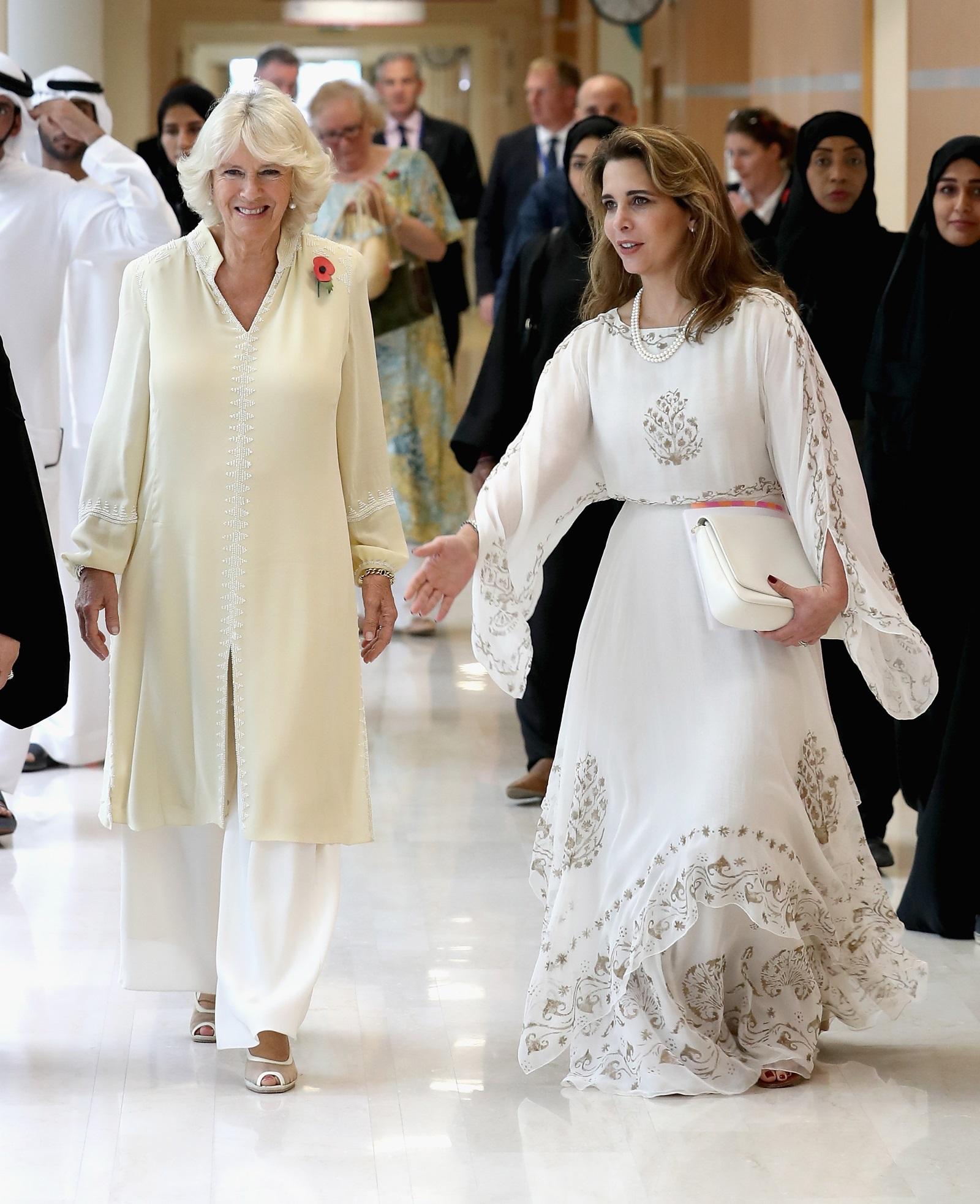 Поредното доказателство за съвсем не тихата женска революция в арабския свят - така някои медии определиха принцеса Хая, която избяга от съпруга си - дубайския шейх Мохамед бин Рашид ал Мактум. Различни източници съобщават, че тя е взела със себе си сумата от 31 млн. паунда. Хая е дъщеря на йорданския крал Хюсеин и третата му съпруга кралица Алия и полусестра на настоящия крал на Йордания - Абдула II. Мохамед бин Рашид ал Мактум е емир на Дубай ,вицепрезидент и премиер на Обединените арабски емирства.