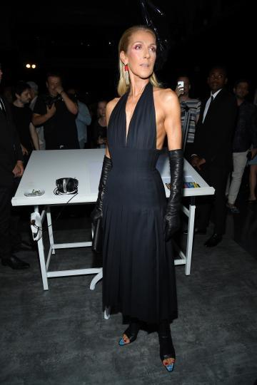 <p>Селин Дион&nbsp;на ревюто&nbsp;на Schiaparelli&nbsp;по време на Седмицата на модата в Париж</p>