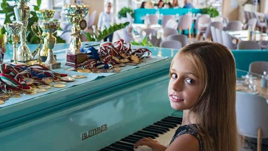 <p><strong>9-годишно българско момиче</strong> е най-красивото в света</p>