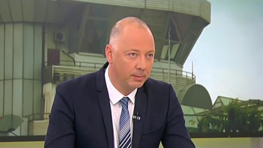 <p>Министър обеща: 3 часа от София до Бургас</p>