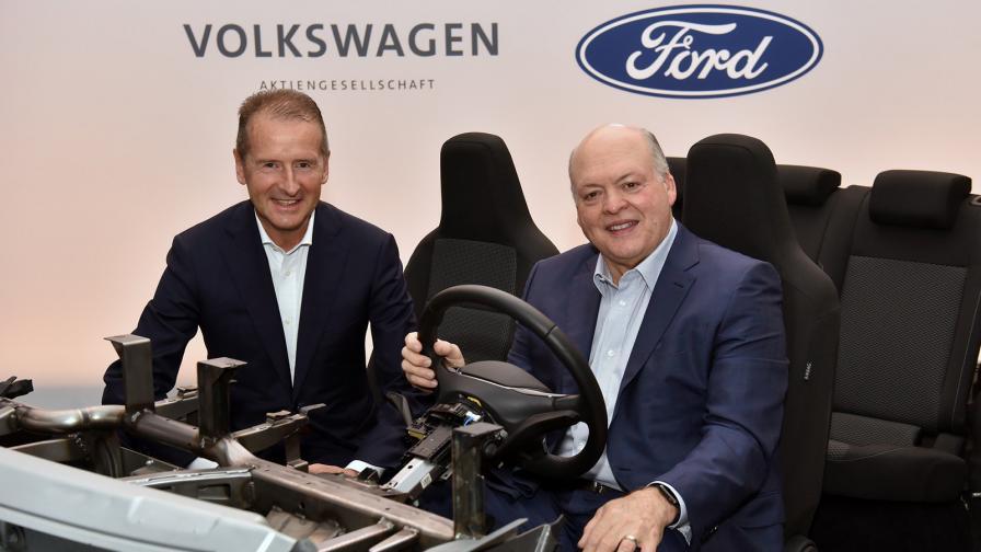 <p>Е-колите на Ford ще стъпят на платформа на VW</p>
