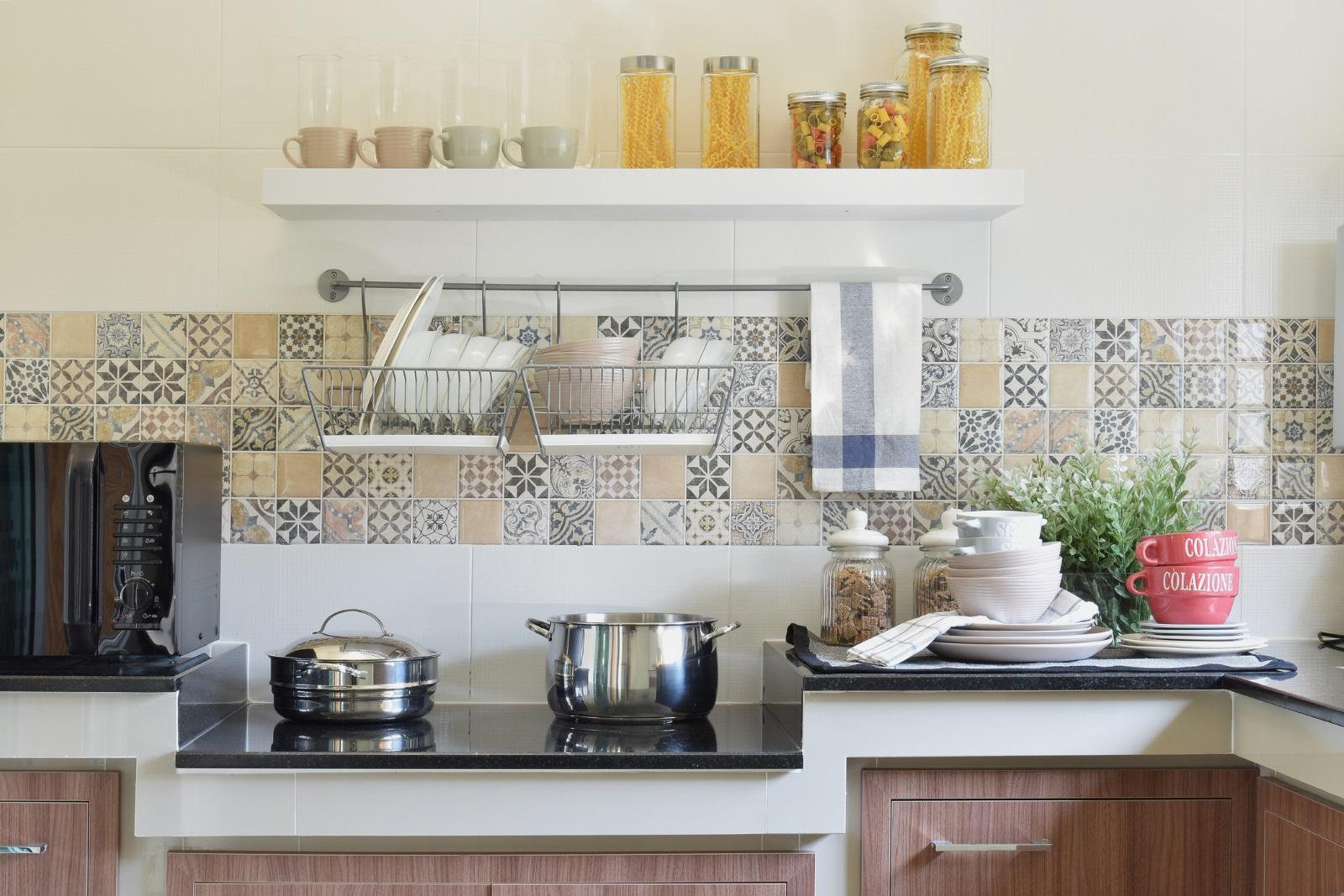 <p>Кухнята неслучайно е наричана &quot;сърцето на дома&quot; и в много случаи е най-често посещаваното помещение от всички членове на семейството.&nbsp;</p>