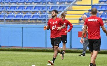 На ЦСКА остава рутинната крачка в Черна гора преди Осиек