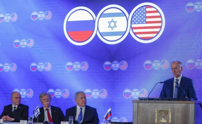 Израел и САЩ преговарят с Русия срещу Иран
