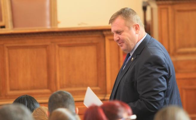 Каракачанов: Трябва да има смъртно наказание