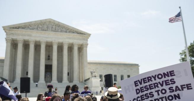 """Свят """"Митът за избора"""" и защо в САЩ се раждат"""