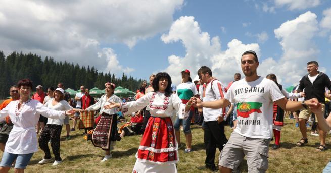 България Над 200 000 души посетиха Роженския събор Съборът на