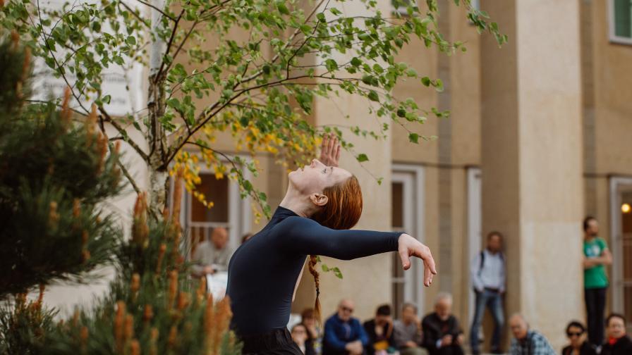Танц срещу безразличието – модерен прочит на съвременното ни общество