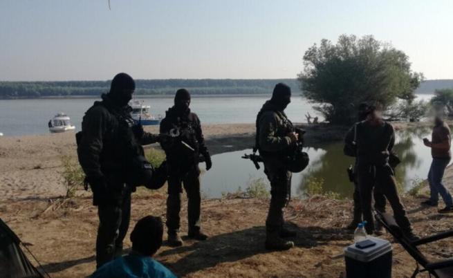 Ето как задържаха трафикантите на мигранти през Дунав