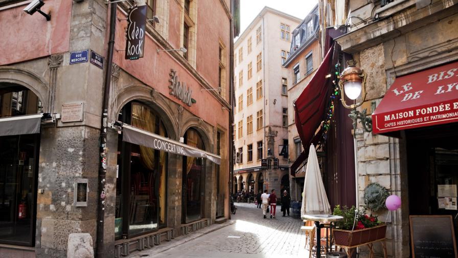<p>5 френски градчета, ако Париж ви се струва <strong>пренаселен</strong></p>