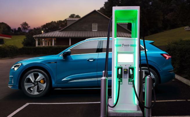 Хората не вярват на автономните и електрическите автомобили