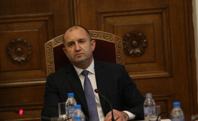 Радев: Чумата засяга не само бранша, но и всички българи