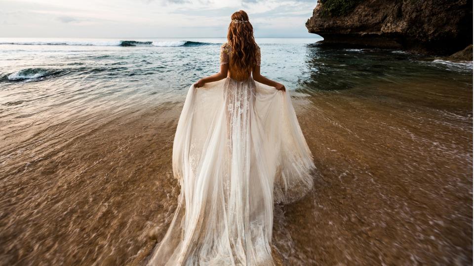 Идеи за булчинска рокля според зодията