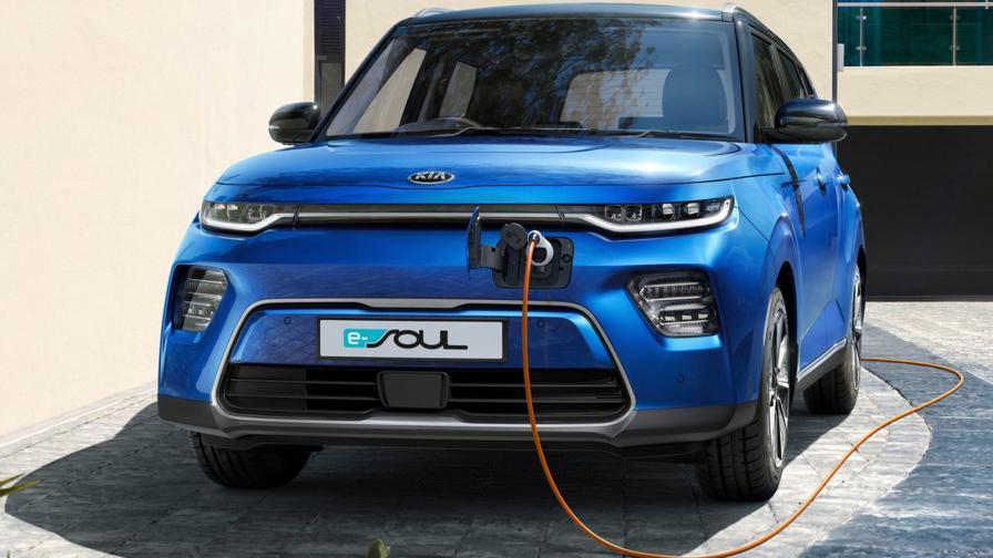 KIA залага на електрификацията
