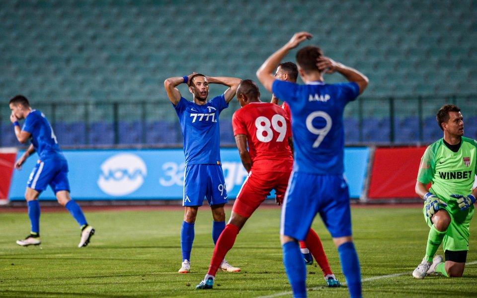Отборите на Царско село и Левски играят при резултат 0:0