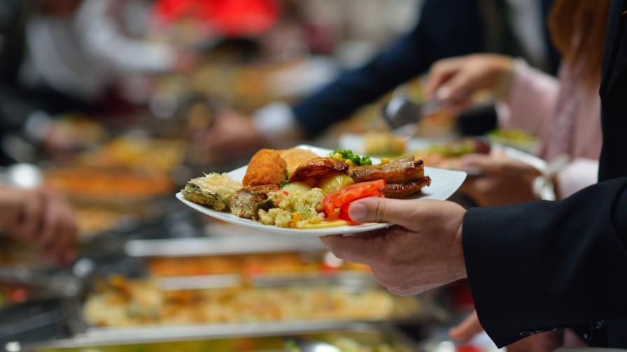 Ще плащаме ли повече: Без свинско в хотелите