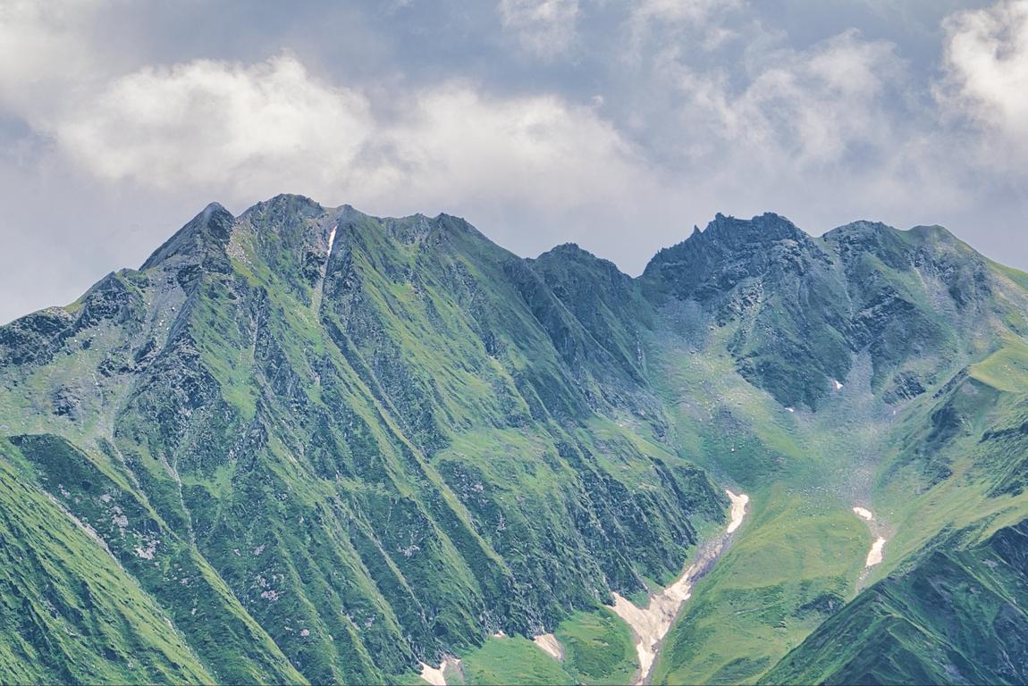 <p>Сванетия (на грузински: Сванети) е историческа високопланинска област в Западна Грузия, на границата с Русия</p>