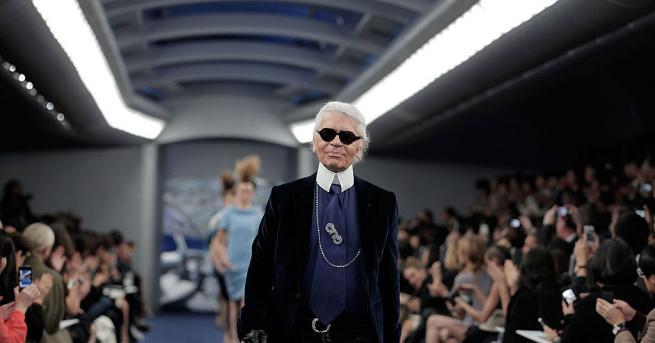 Карл Лагерфелд остава в историятакакто с таланта си на дизайнер,