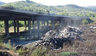 """Обвиниха собственика на депото за пожара на АМ """"Струма"""""""