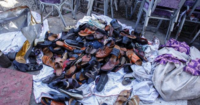 Снимка: Десетки загинаха при атентат на сватба в Афганистан