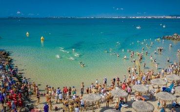 120 мъже и жени се пуснаха във Втория плувен маратон
