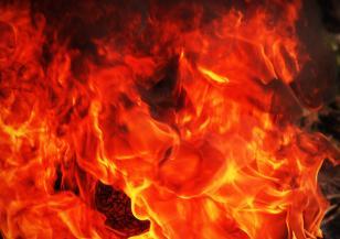 Огромен пожар в испанския курорт Марбеля