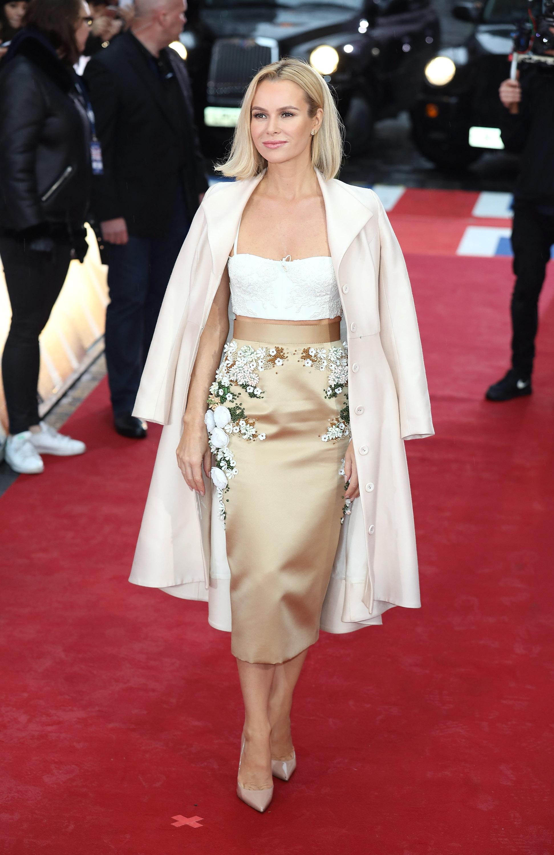 <p>Актрисата и телевизионна водеща Аманда Холдън спечели британската награда &quot;Дупе на годината&quot;, като измести други всепризнати величия в тази област - водещите Холи Уилъби, Рейчъл Райли, Карол Вордерман и съпругата на принц Хари Меган.</p>