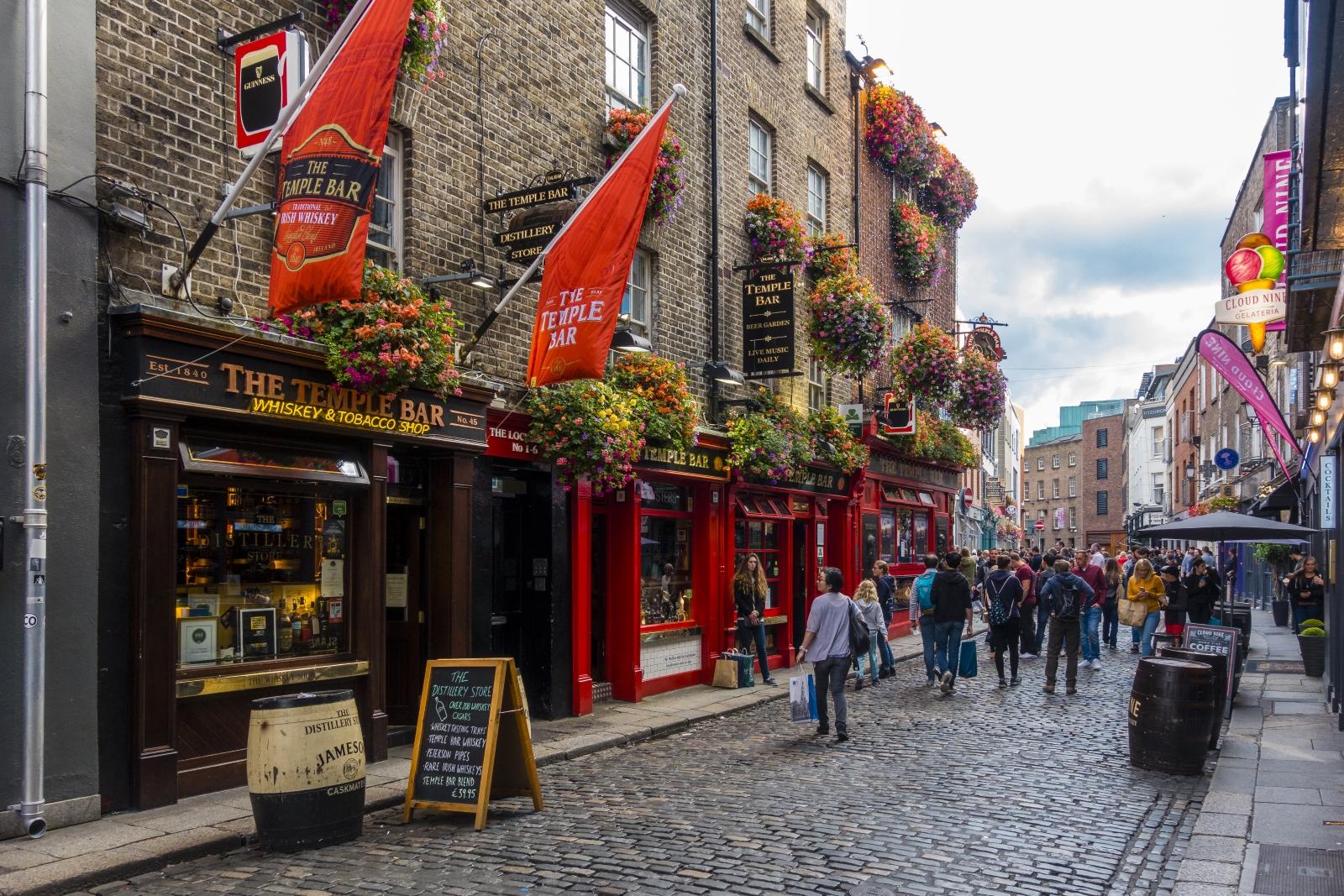 <p>Изгледи от Дъблин - градът, в който 50% от населението е под 27 години.</p>