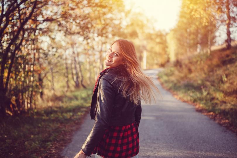 <p>Овен - Овенът&nbsp;може да започне буквално нов живот, след като свърши лятото. Лятото ви проверяваше в много отношения, а сега е време да изразходвате силите си не за решаване на проблеми, а за издигане нагоре. И есента ще ви даде много шансове. И още &ndash; любовните проблеми ще бъдат решени. Ако през лятото отношенията са ви носели само разочарования, то през есента всичко може да се промени драстично.</p>