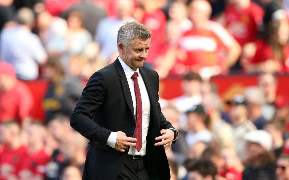 Ръководството на Манчестър Юнайтед в голяма степен е объркало трансферните