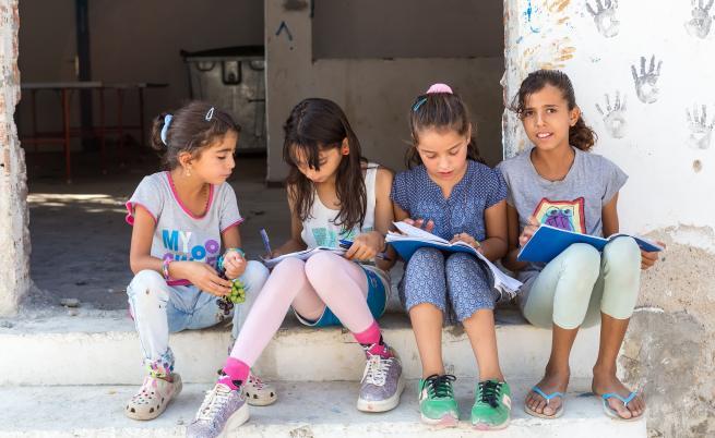 Забраненото училище: защо някои жени са лишени от образование