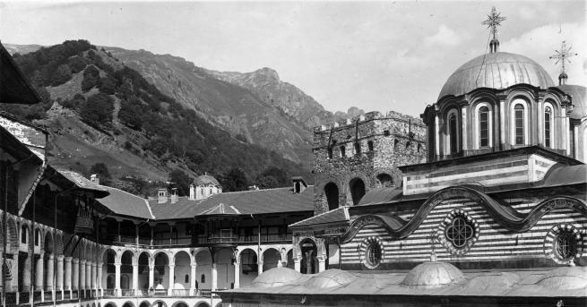 На училище Неофит Рилски: патриархът на българските учители и книжовници
